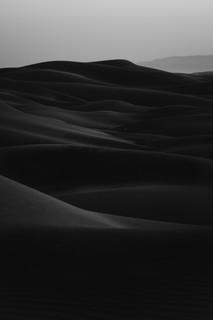 Sand Dunes Black